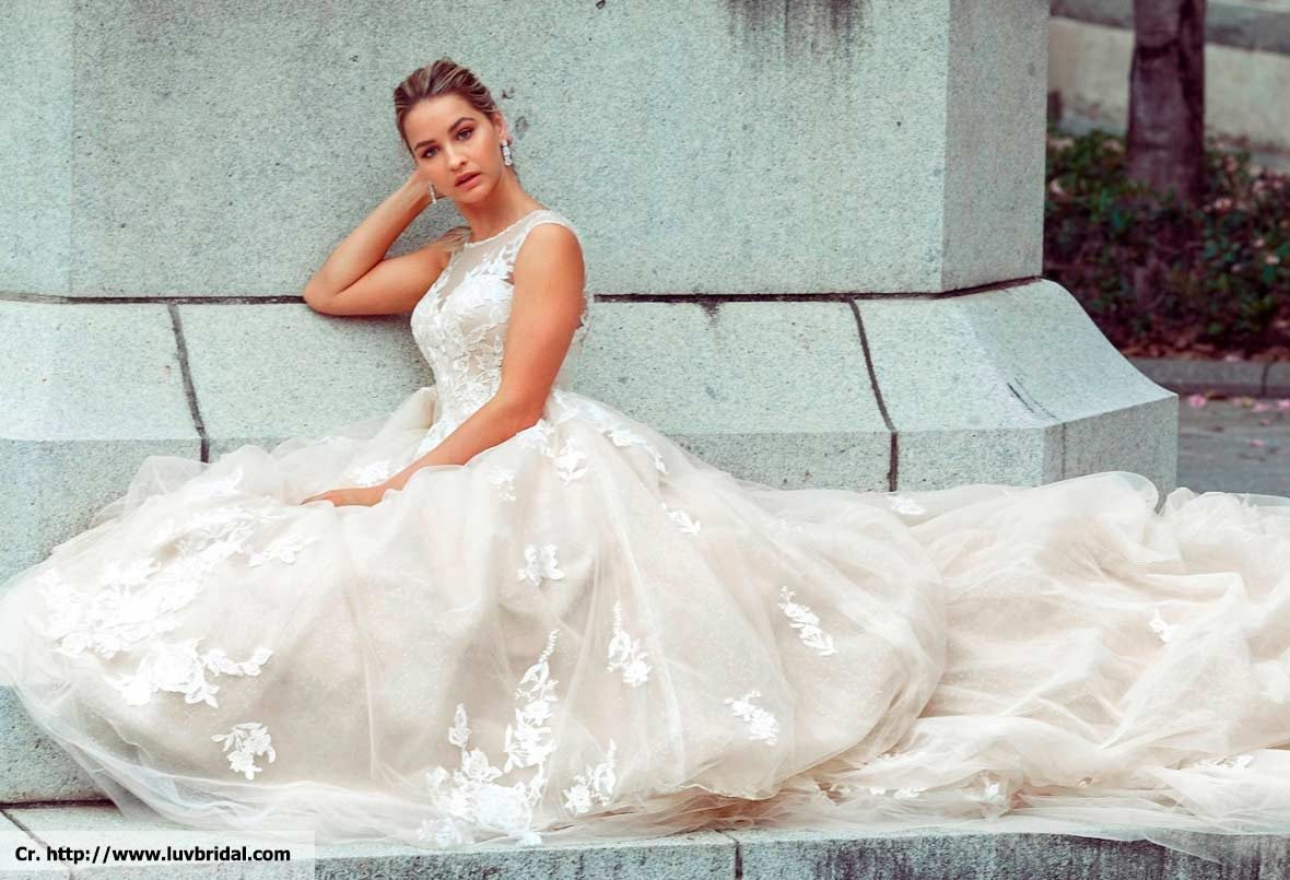wedding dress in phuket