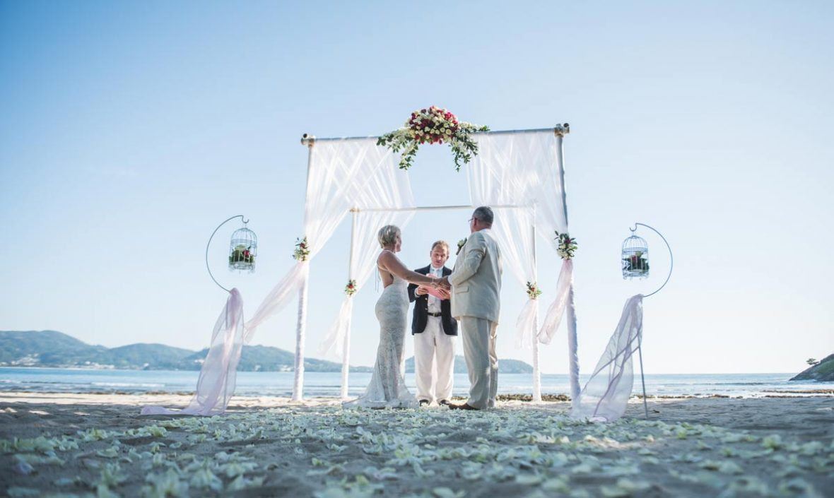 5 Ideas For A Great Beach Themed Wedding In Puglia: 5 Great Small Wedding Ideas