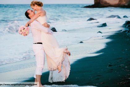 wedding photographer on the beach